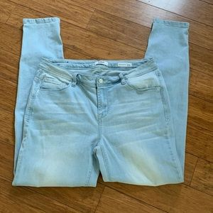 Kensie mid rise Skinny Knockout jeans size 10